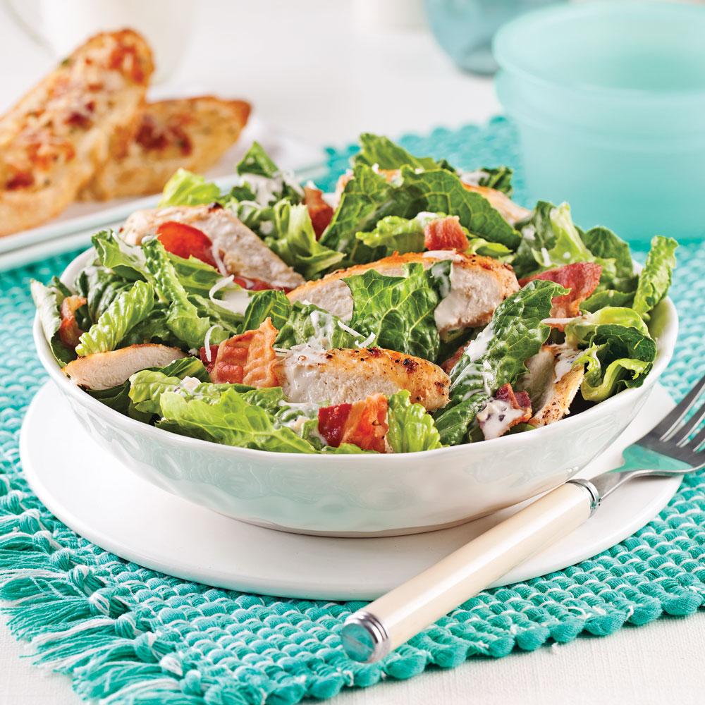 Salade c sar au poulet soupers de semaine recettes 5 - Recette salade cesar au poulet grille ...