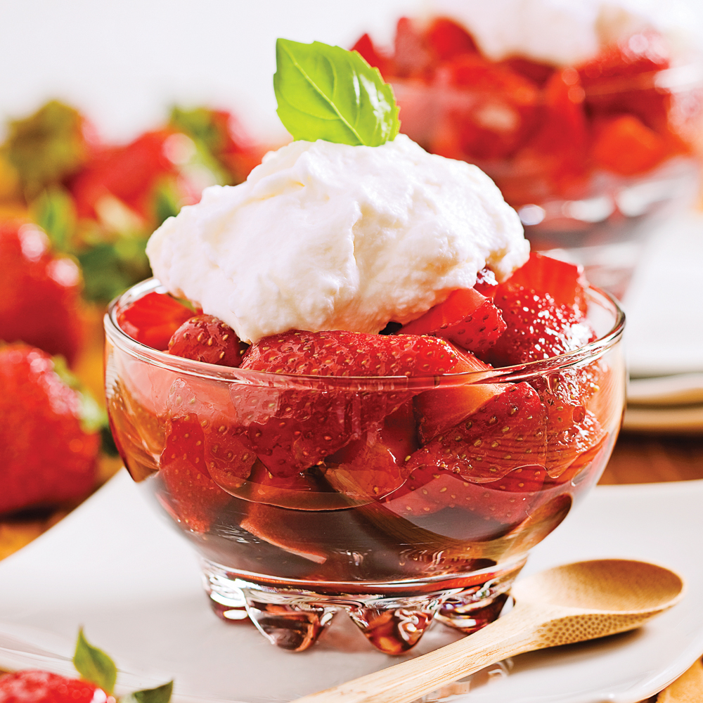 fraises au vinaigre balsamique et cr me de mascarpone desserts recettes 5 15 recettes. Black Bedroom Furniture Sets. Home Design Ideas