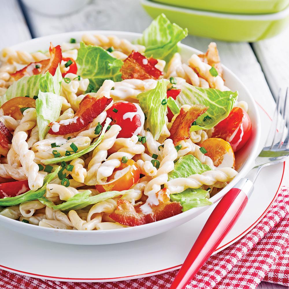 salade de p 226 tes b l t soupers de semaine recettes 5 15 recettes express 5 15 pratico