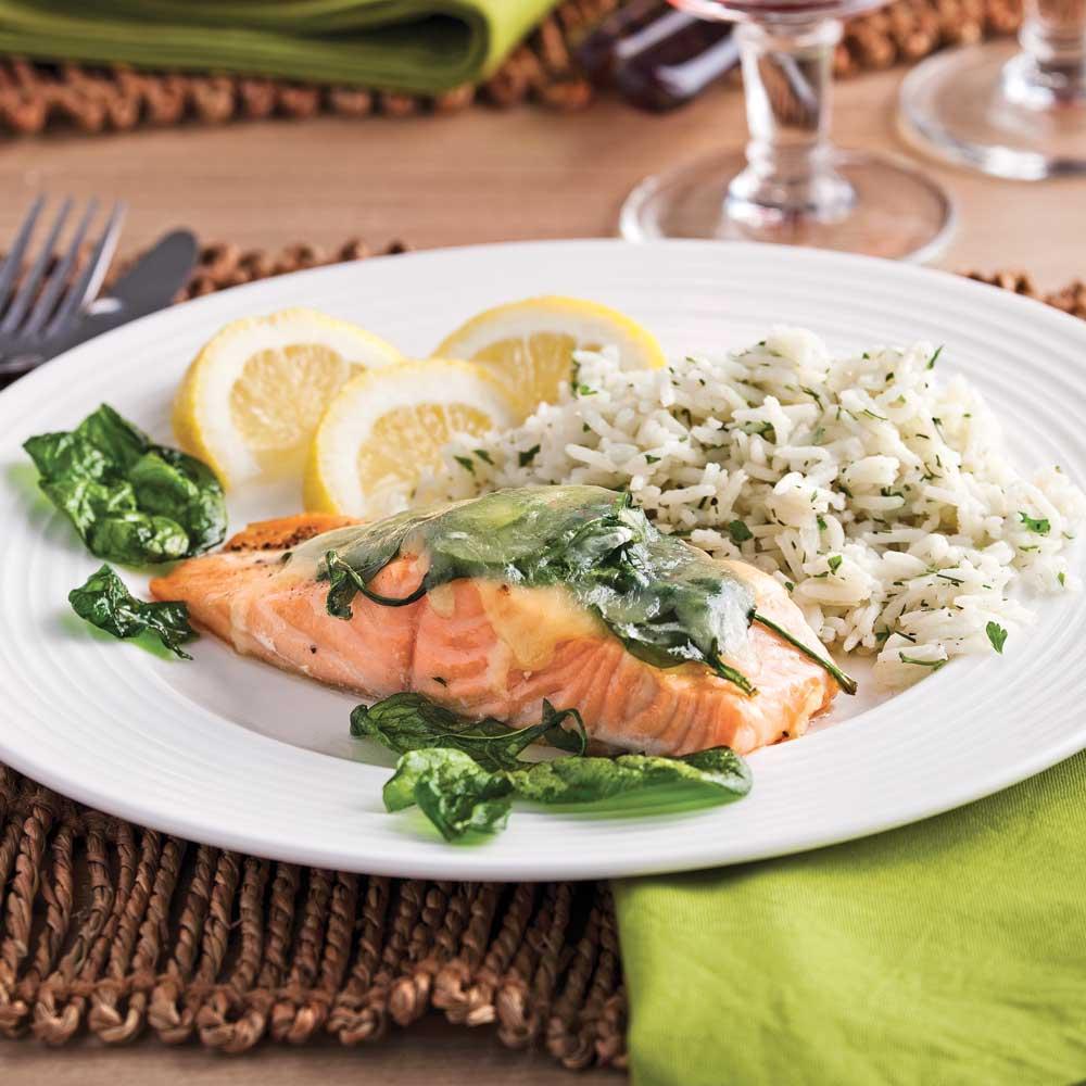 saumon aux pinards frits et cheddar soupers de semaine recettes 5 15 recettes express 5. Black Bedroom Furniture Sets. Home Design Ideas