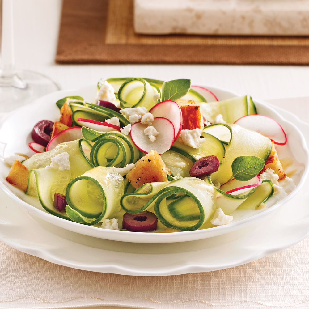 salade de concombres olives et feta entr es et soupes recettes 5 15 recettes express 5 15. Black Bedroom Furniture Sets. Home Design Ideas