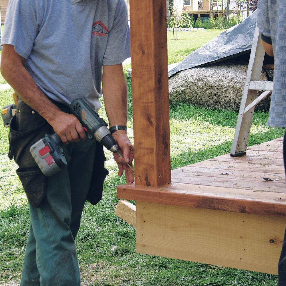 Construire Un Garde Corps En Bois fabriquer escalier et garde-corps pour le patio - je jardine